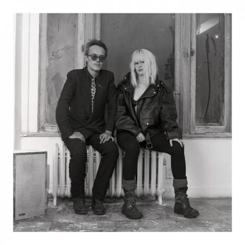 Couple assis sur un radiateur. NYC, 1988