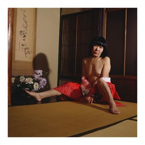 Mme Kiriko M. portant un yukata débraillé. Kyoto 2007