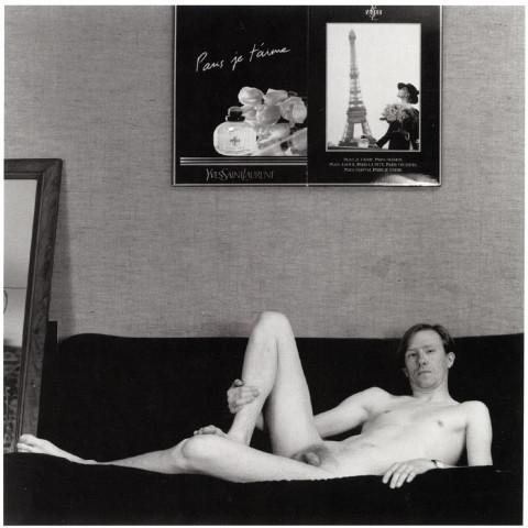 170-Jeune homme allongé sur un canapé-Rouen, 1990